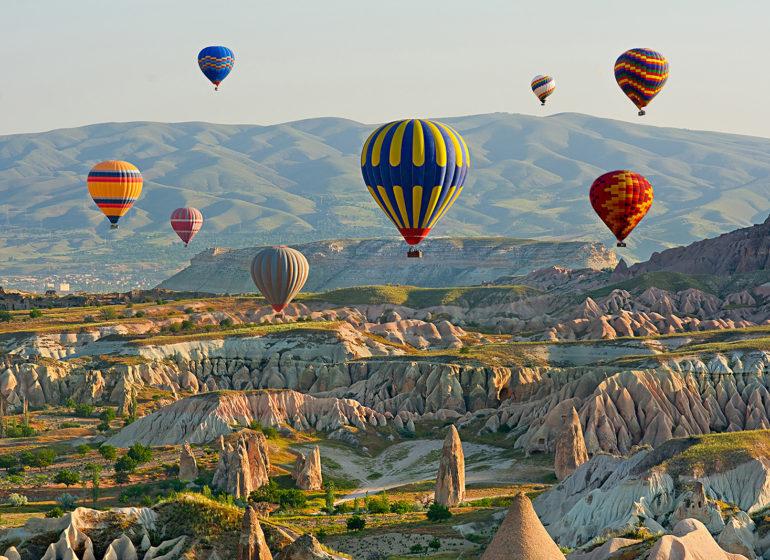 Полеты на воздушных шарах над Долиной любви