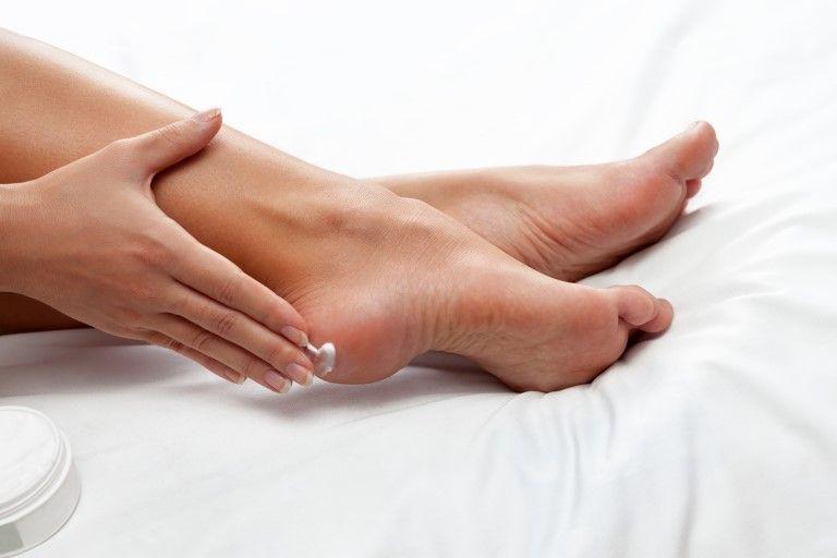 Уход за ногами - Трещины на пятках