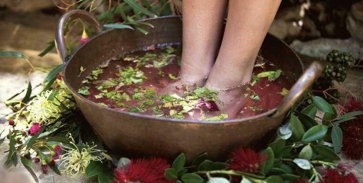 Травяная ванночка для мягких пяточек, Пятки