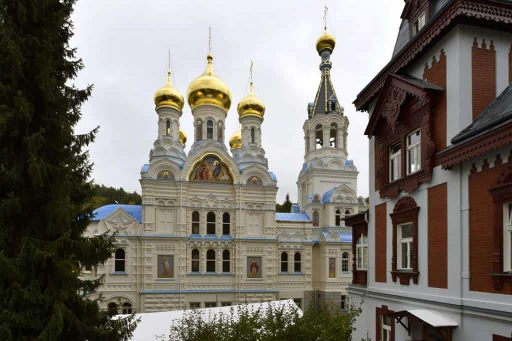 Церковь Святых первоверховных апостолов Петра и Павла (chrám svatých apoštolů Petra a Pavla)
