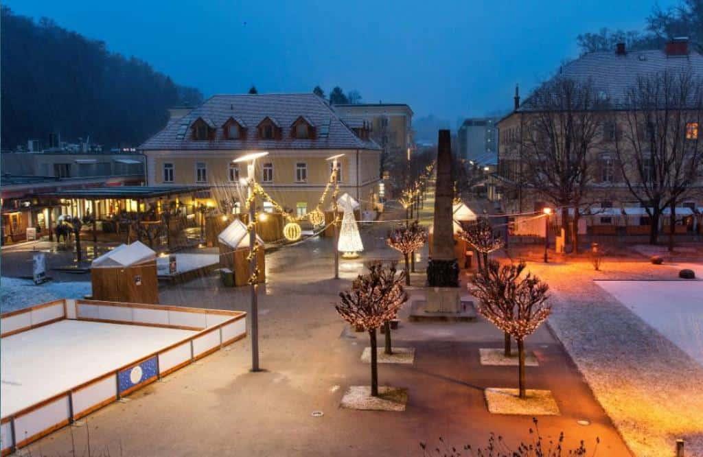 Хрустальная деревня в Рогашке Слатине