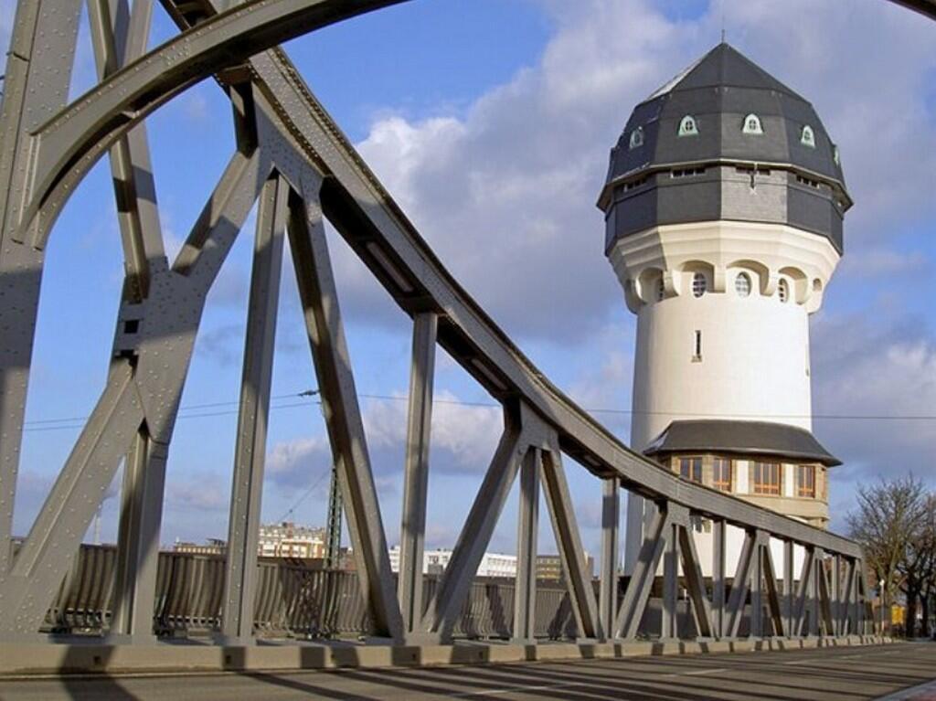 Вассертурм (Wasserturm) - водонапорная башня