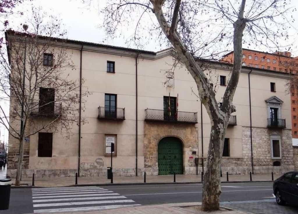 Дворец дона Альфонса Переса де Виверо