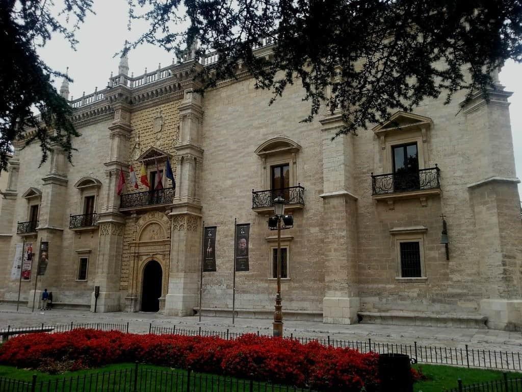 Дворец Санта Крус (Palacio de Santa Cruz de Valladolid), Вальядолид