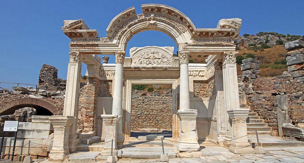 Храм Адриана (Эфес, Турция)