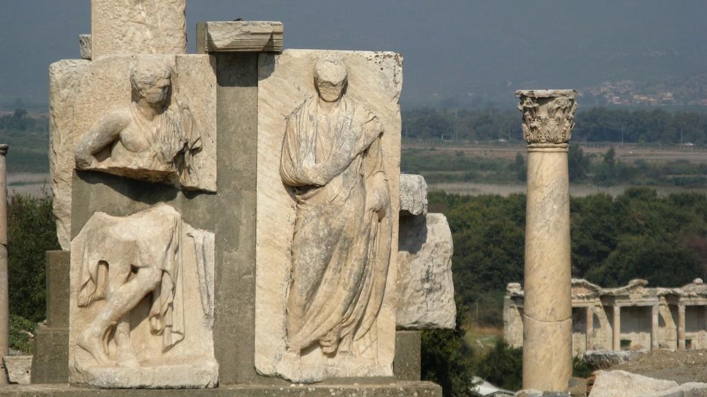 Монумент Меммиуса, г. Эфес, Турция (Memmius Monument)