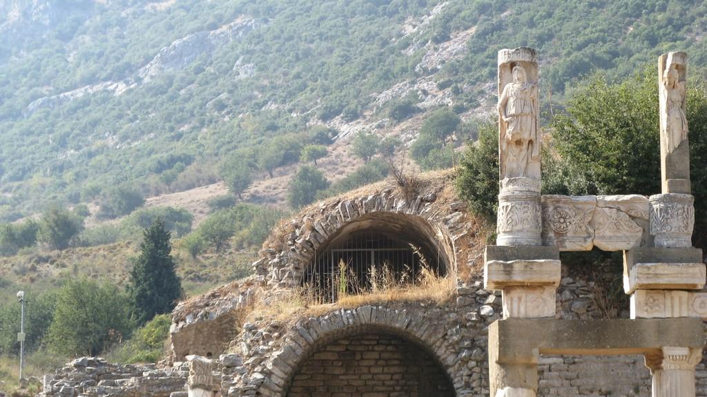 Храм Домициана - Древний город Эфес Турция