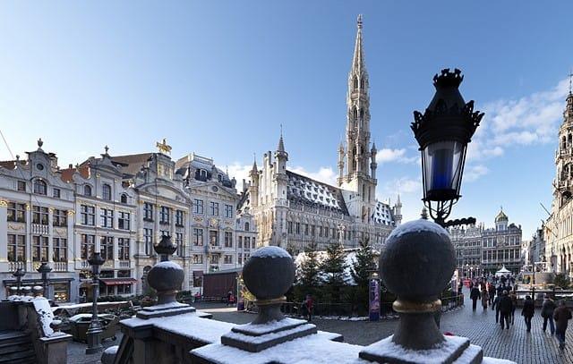 Брюссель зимой центральная площадь