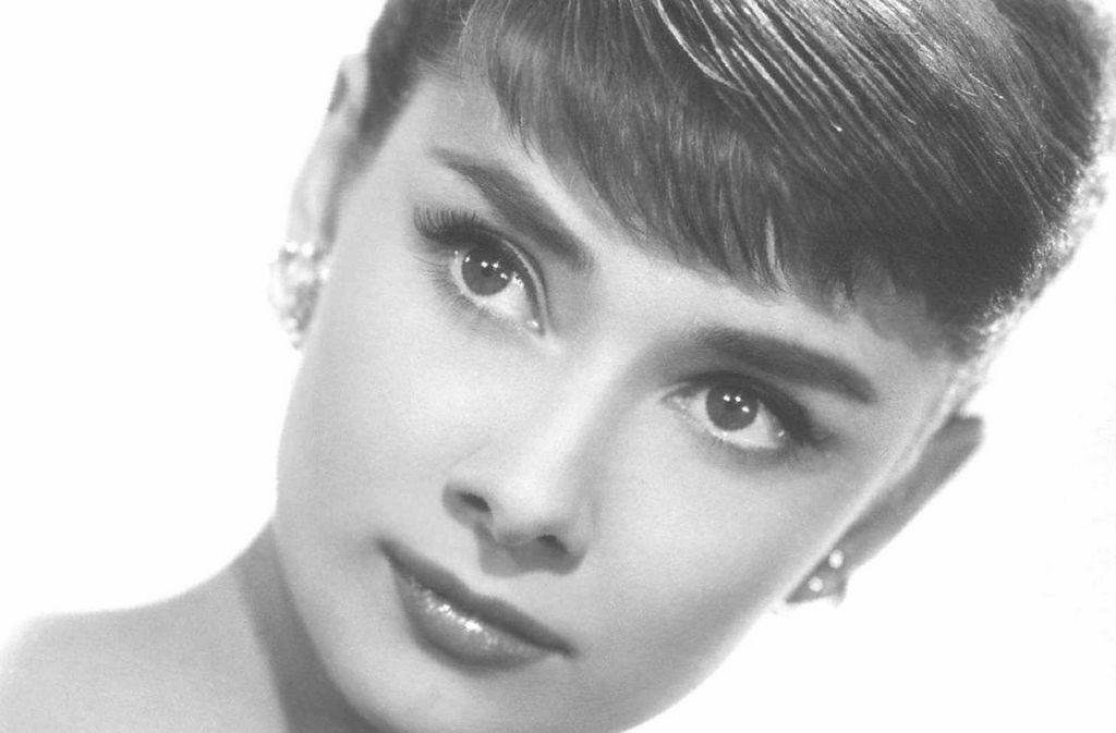 Одри Хепберн (1929-1993) - британская актриса, фотомодель, танцовщица