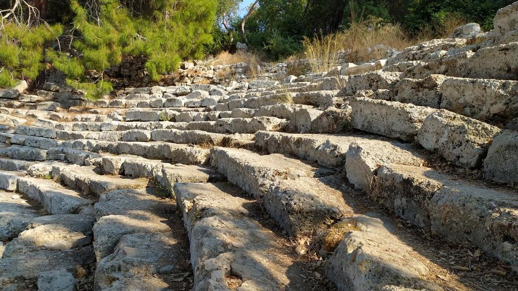 Места для зрителей в римском театре - Кавеа театра Фазелис, Турция