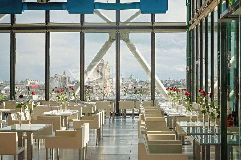 Французская кухня - Ресторан Georges на крыше центра Жоржа Помпиду с панорамным видом на Париж