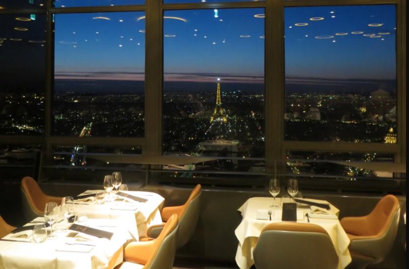 Французская кухня-Le Ciel de Paris – ресторан с видом на Париж
