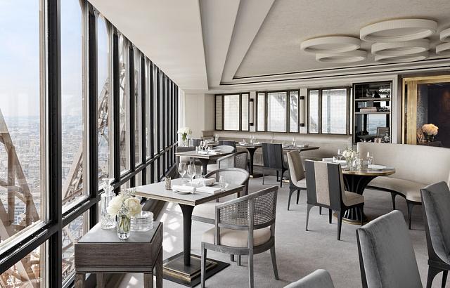 Французская кухня Le Jules Verne – вид на Париж со 125 метров