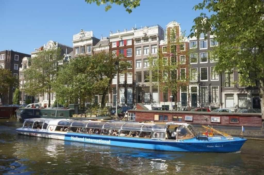 Круиз по каналам Амстердама