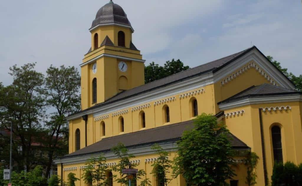 Евангельский костёл святого Петра и Павла (Evangelický kostel svatého Petra a Pavla)