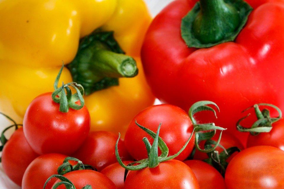 Болгарский перец и помидоры