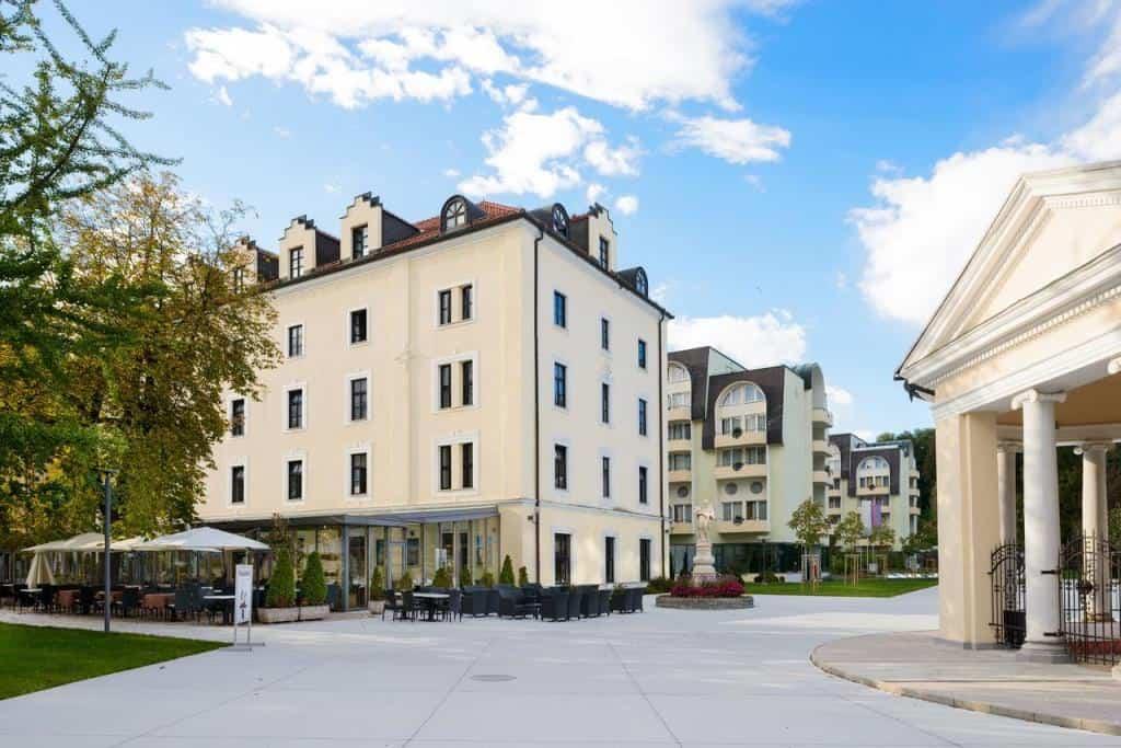 Отель Загреб **** (Hotel Zagreb - Health & Beauty 4*)