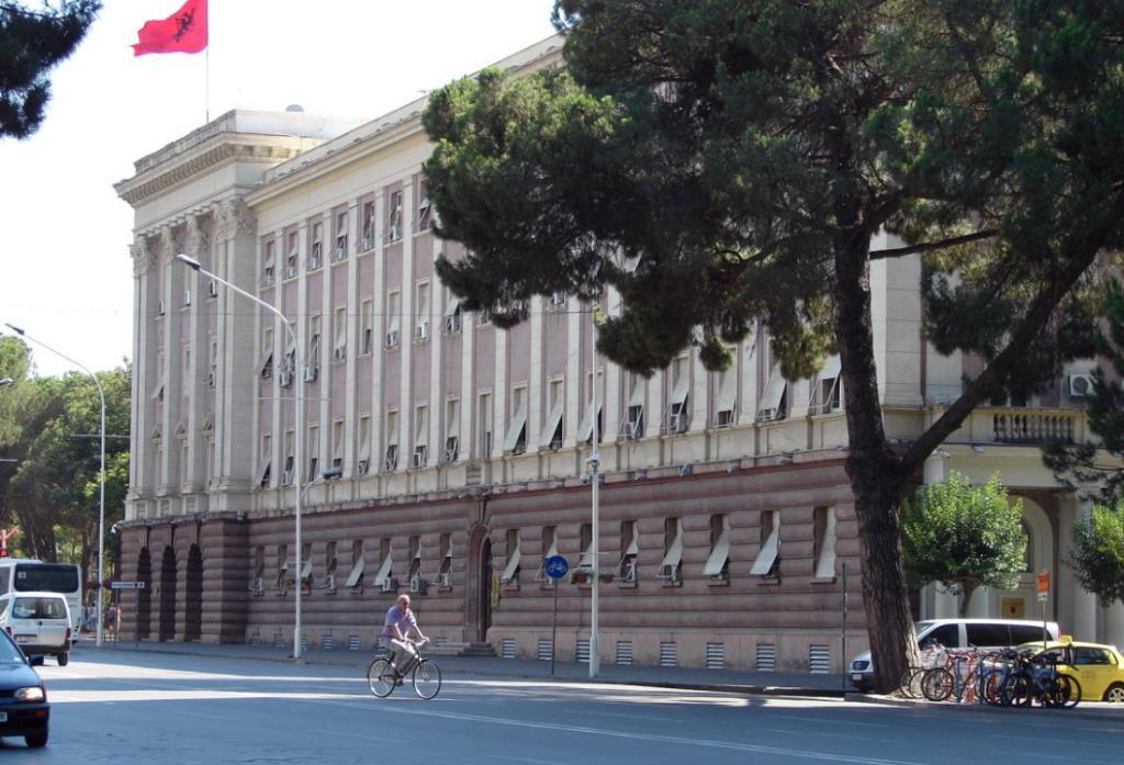 Парламентская резиденция, Тирана