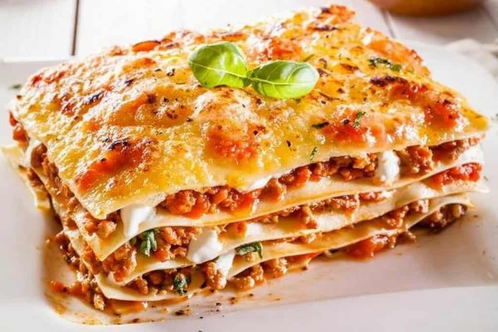 Лазанья - итальянские блюда