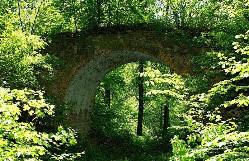 Арочный мостик в Качановке