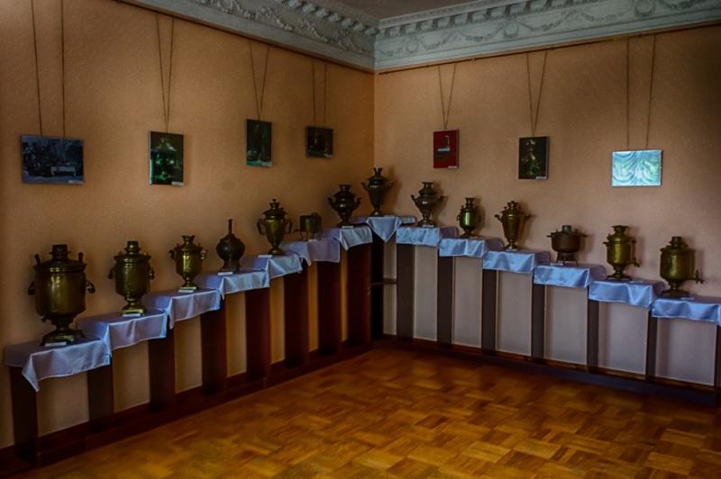 Экспозиция во Дворце Качановка - самоварное производство