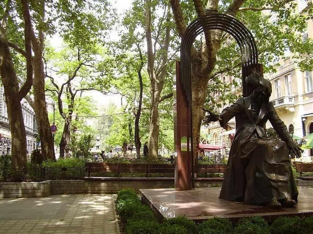 Площадь Ференца Листа, памятник композитору Будапешт (Венгрия)