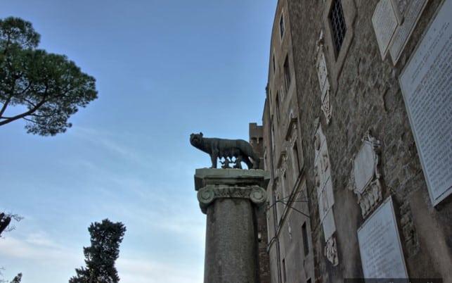 Волчица, символ Рима- легендарная Lupa Capitolina