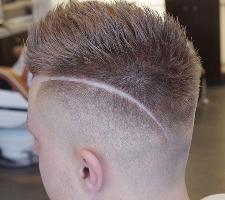 Короткая стрижка с выбритыми висками