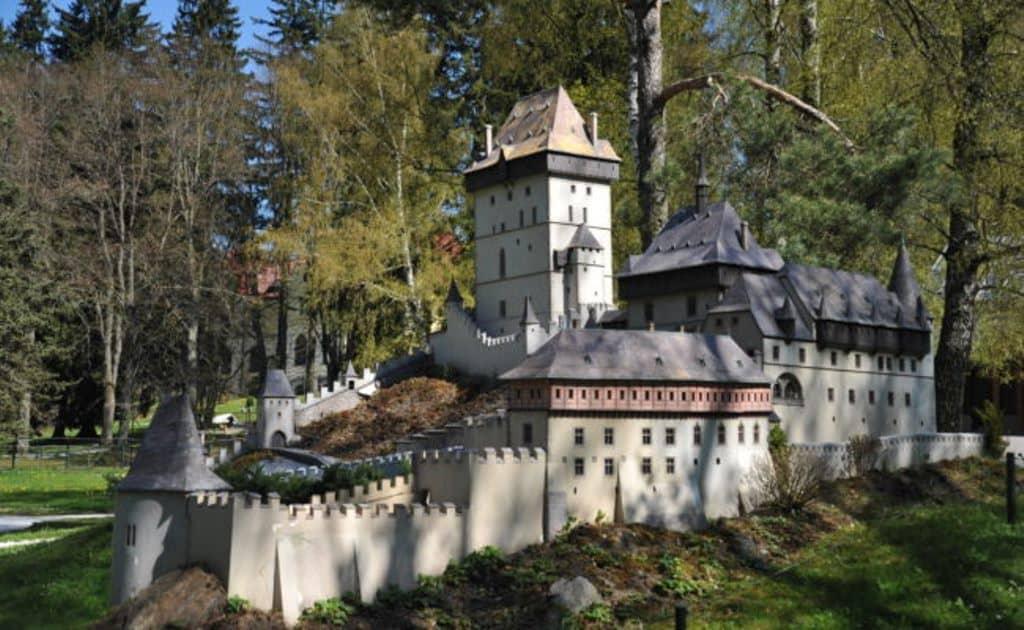 Макет замка Карлштейн, Среднечешский край (1365г.)