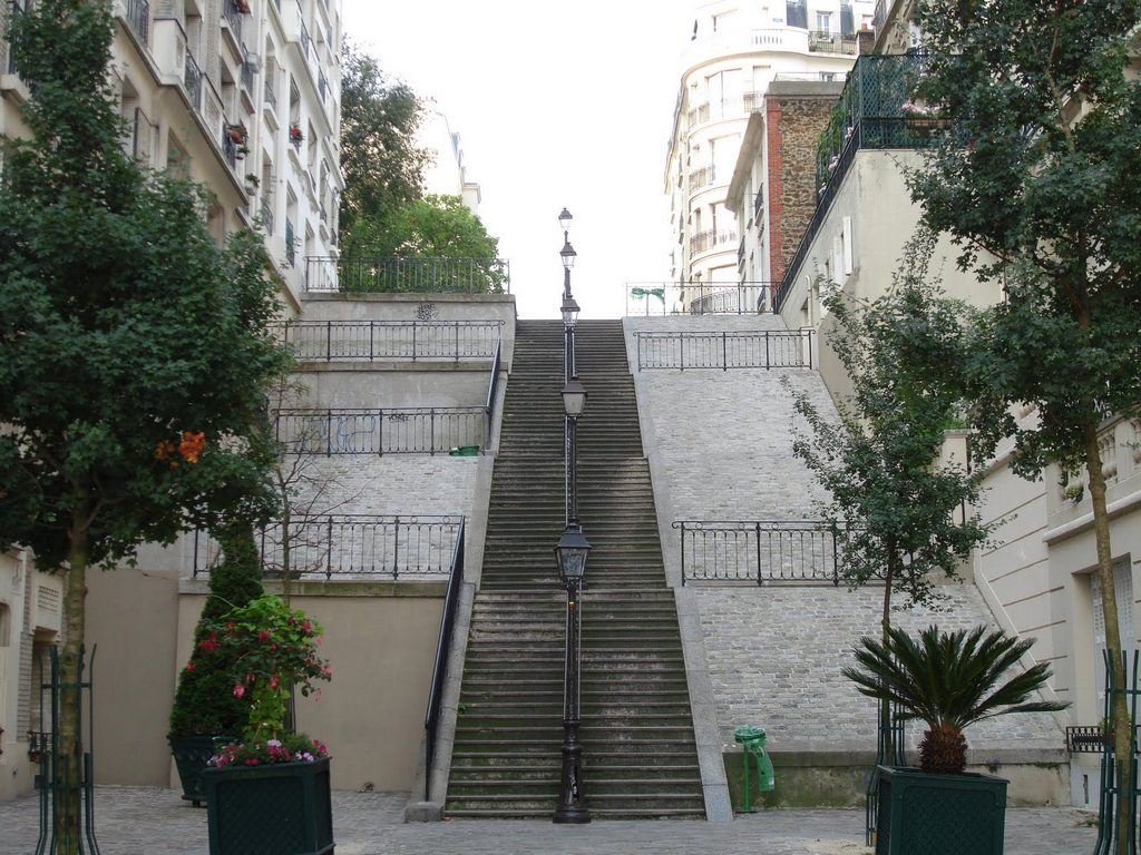 Улица rue du Mont Cenis Stairs