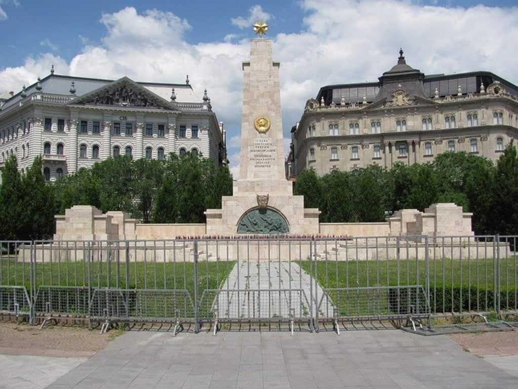 Монумент воинам Советской Армии, павшим во время освобождения Будапешта от фашизма, Венгрия