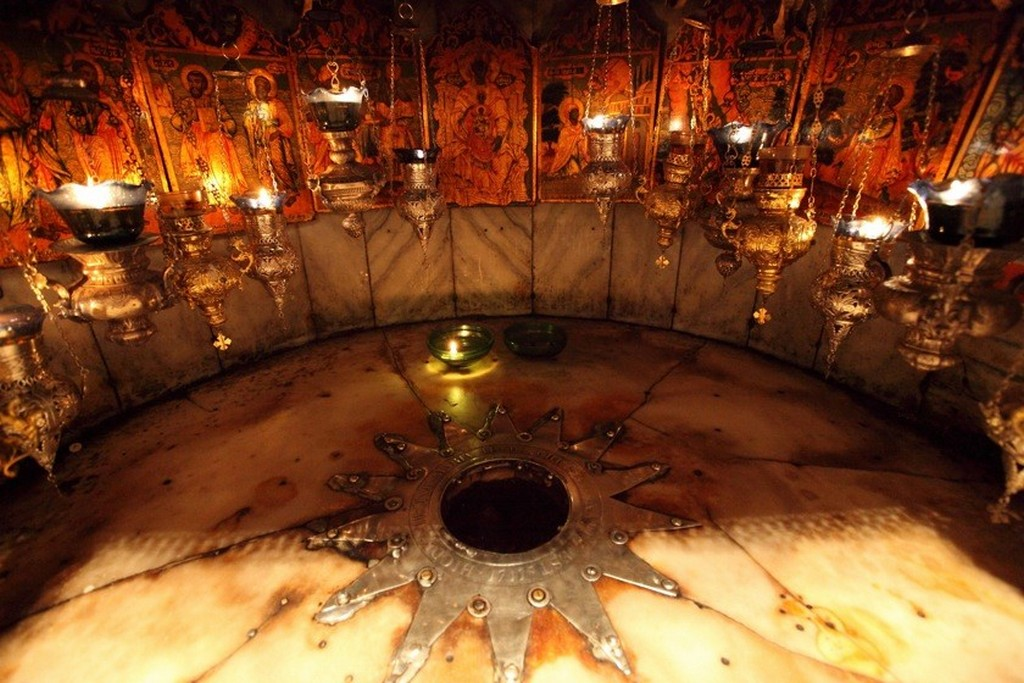 Серебряная звезда под престолом отмечает место рождения Иисуса