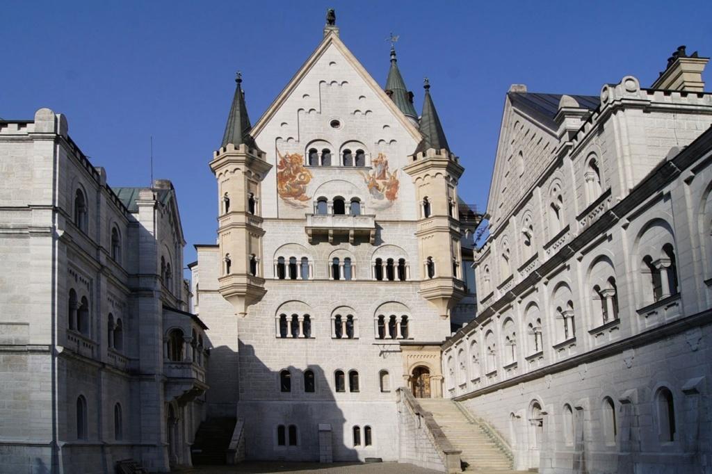 Верхний двор Замок Нойшванштайн