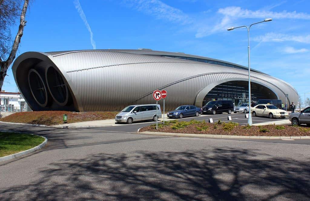 Новый терминал аэропорта Карловы Вары (Letiště Karlovy Vary)