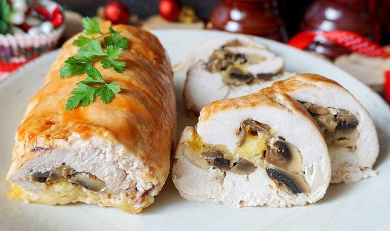 Мясо по-французски – куриные рулетики с сыром и грибами