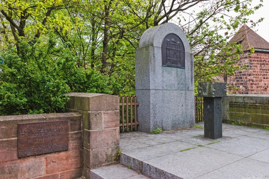 Бавария, Нюрнберг, Монумент Synagogendenkmal