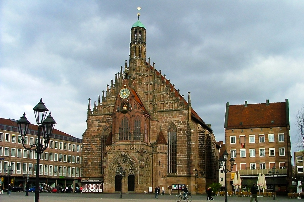 Церковь Девы Марии в Нюрнберге (Frauenkirche)