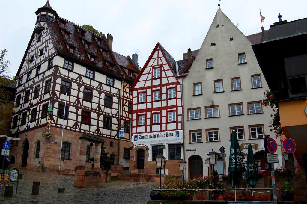 Площадь Тиерэртнерторплатц, Нюрнберг (Бавария)