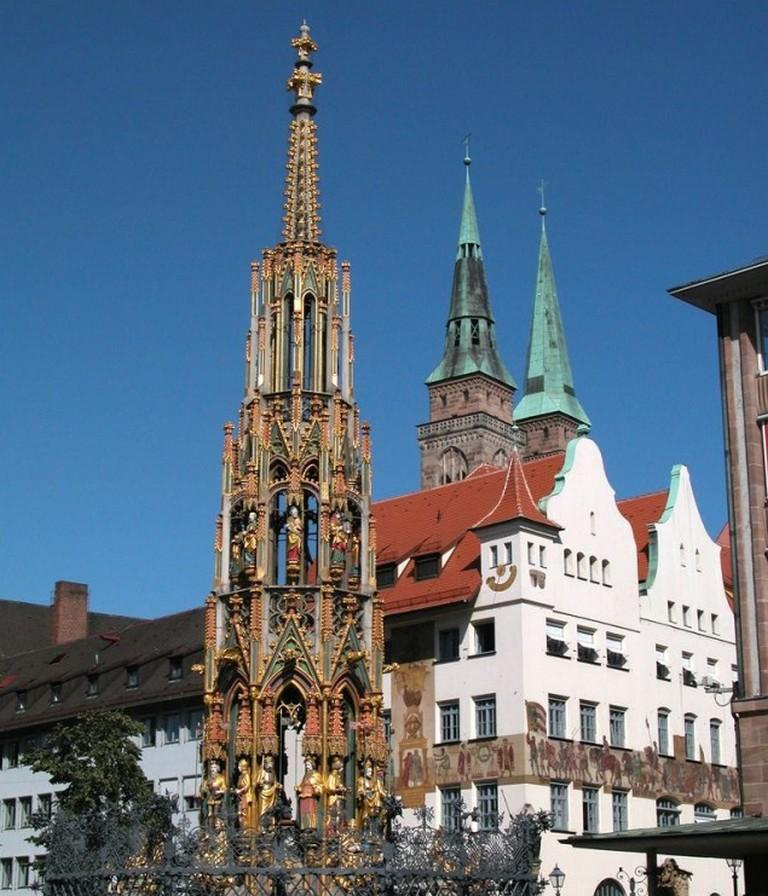 Красивый фонтан (Schöner Brunnen)