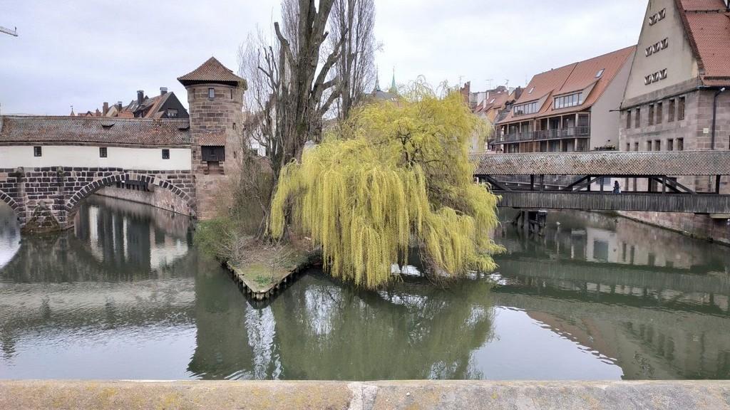 Деревянный мост Henkersteg («Мост палача»)