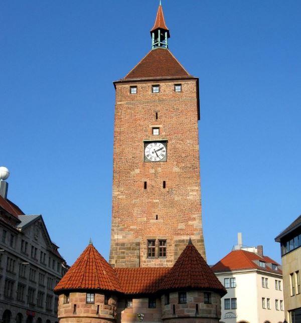 Белая башня Нюрнберга