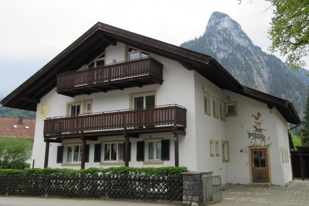 Дом Бременских музыкантов Оберамеергау Бавария