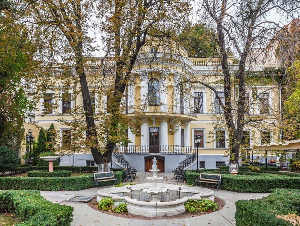 Дворец графа Толстого в Одессе - летний сад