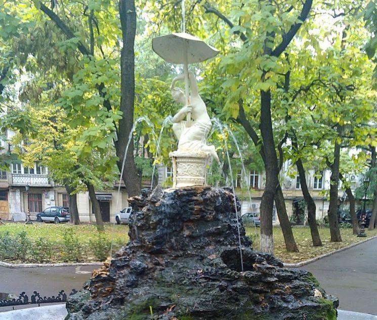 Фонтан в сквере Пале-Рояль в Одессе