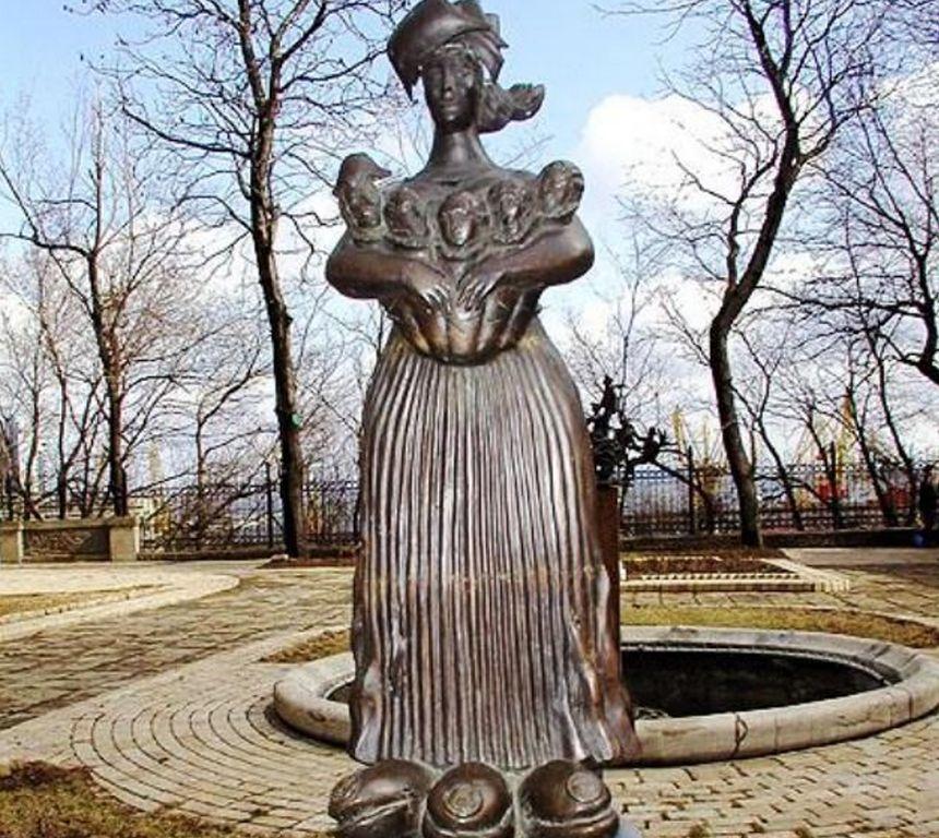 Памятник «Одесса-мама»