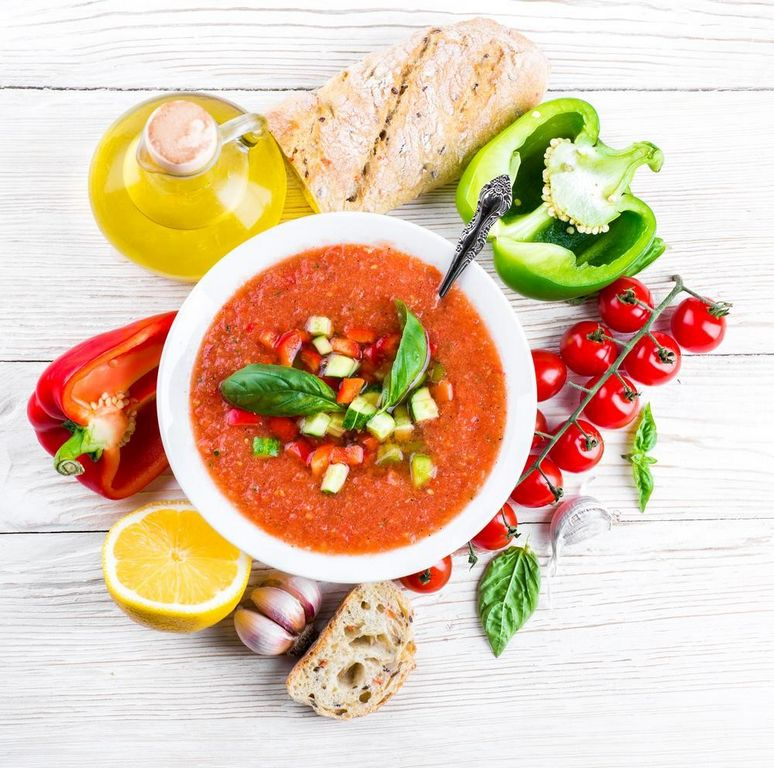 Испвнский Холодный томатный суп гаспачо