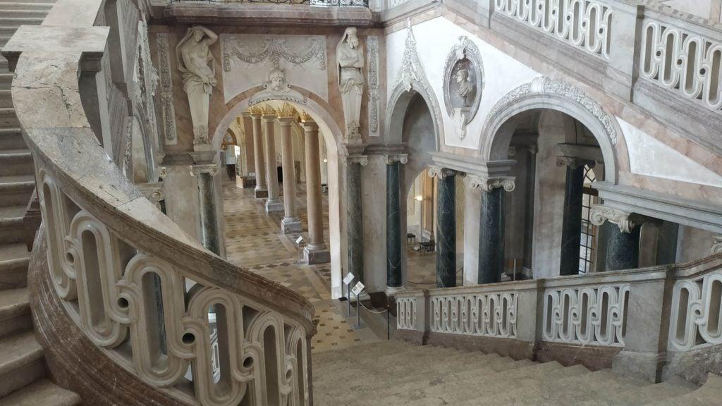 Парадная лестница Нового Дворца