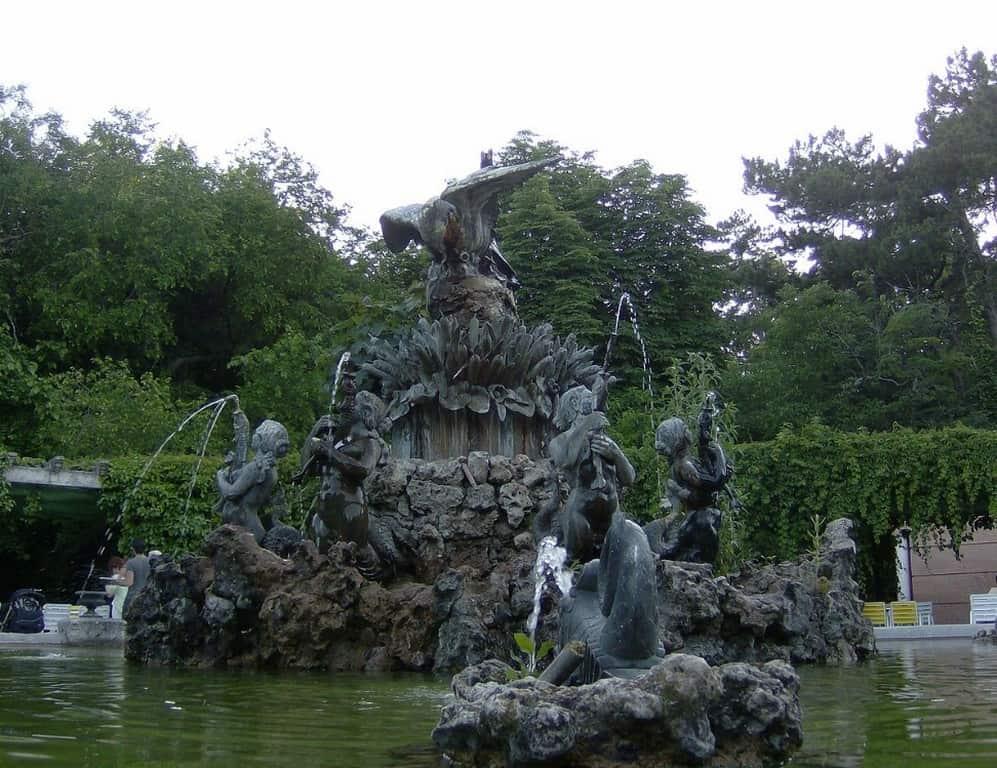 Обширный парк Кампо-Гранде