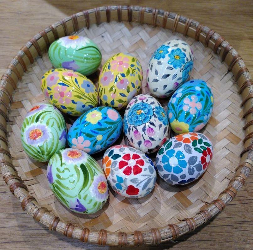 Раскрашенные вручную яйца