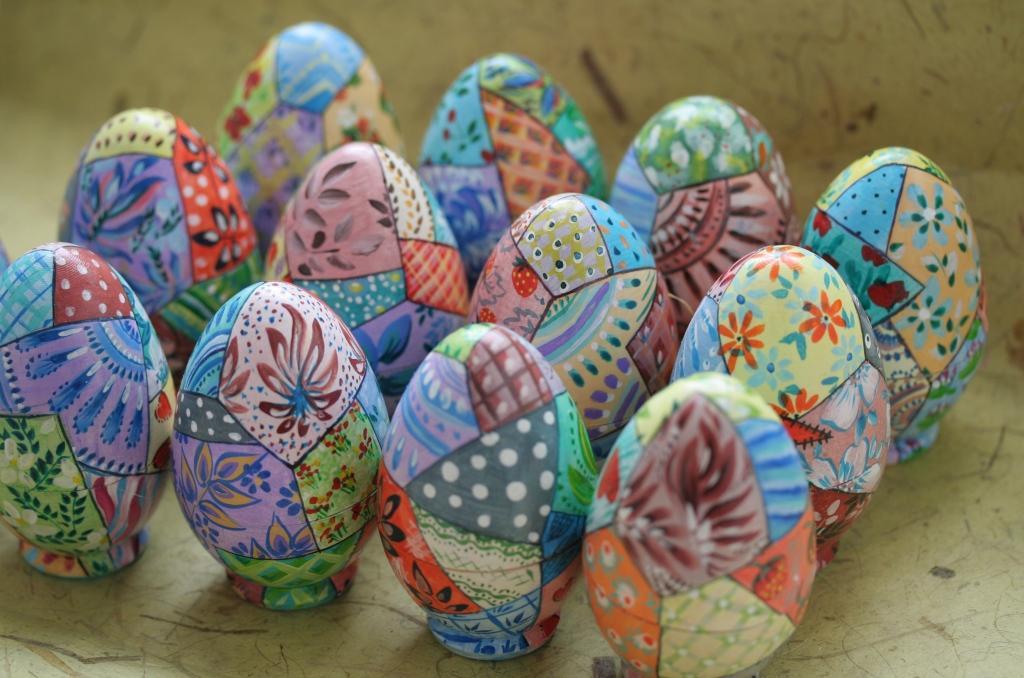 Расписные яйца акриловыми красками